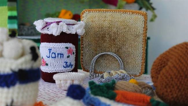 knitted-kitchen-food-jam