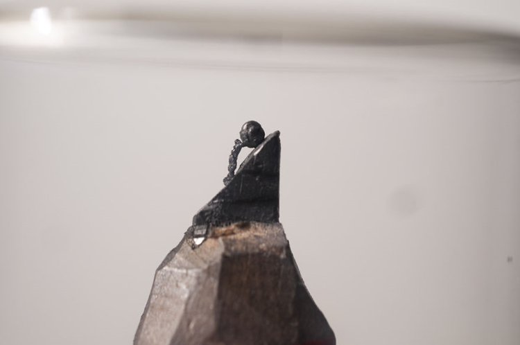 mini-graphite-sculptures-kreze-hill