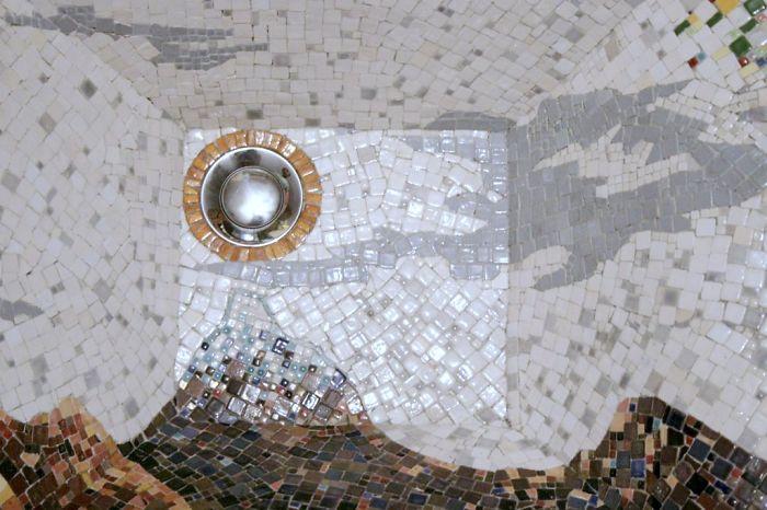 mosaic-sink-plug