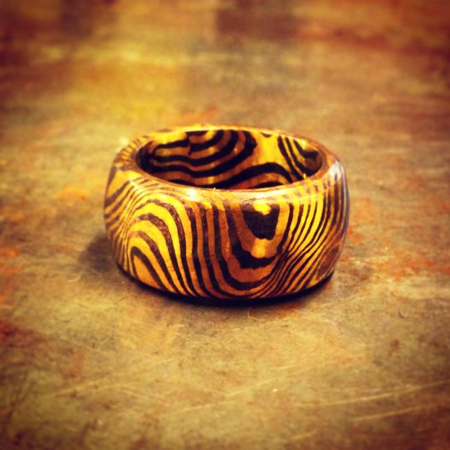 nearly-complete-wood-grain-ring