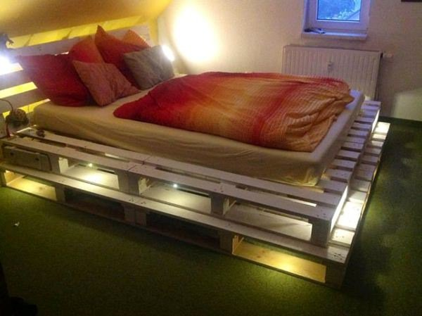 Beau Wood Pallet Bed With Lights