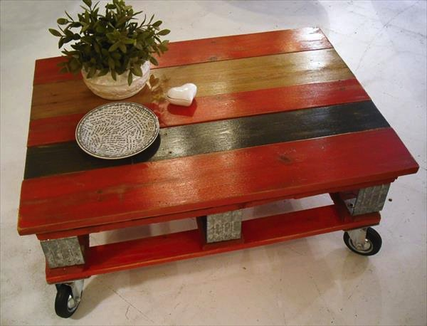 wood pallet coffee table with red and black varnish