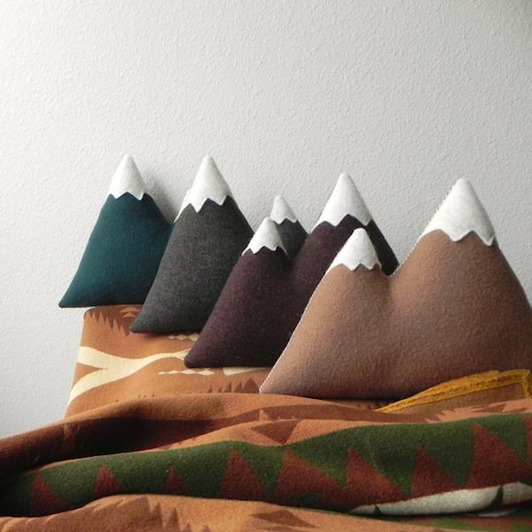 18 Of The Coolest Pillow Designs You Wish You Owned