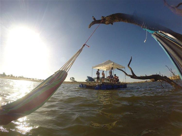 pontoon-floating