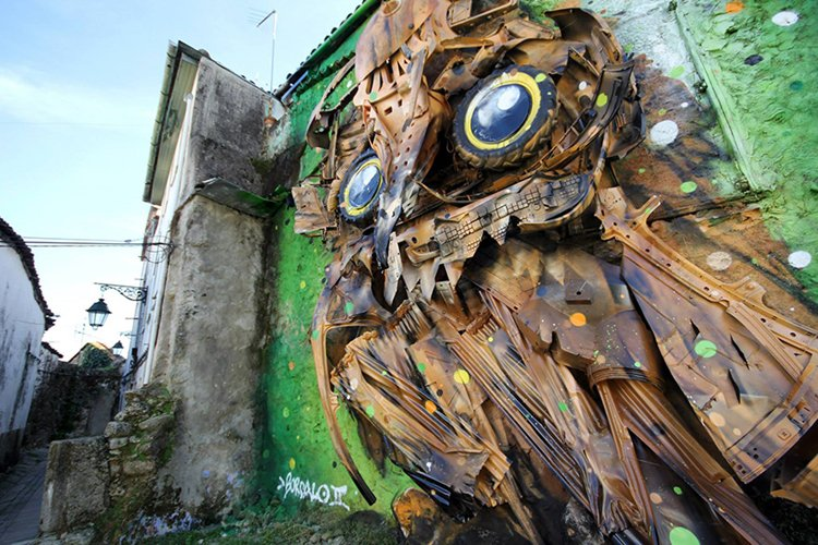 recycled-owl-sculpture-street-art-owl-eyes-artur-bordalo