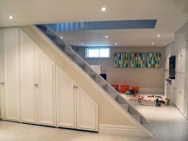 stairs-closet
