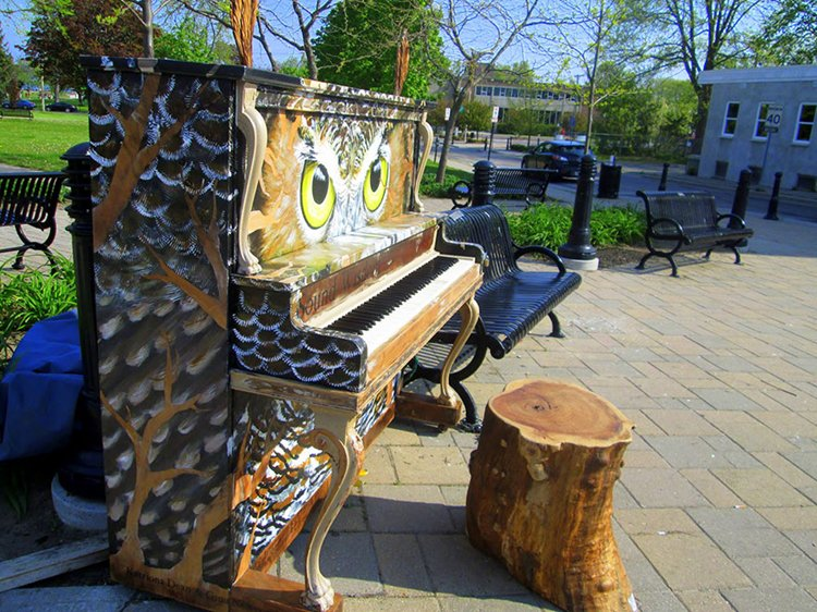 street-pianos-play-me-im-yours-project-owl