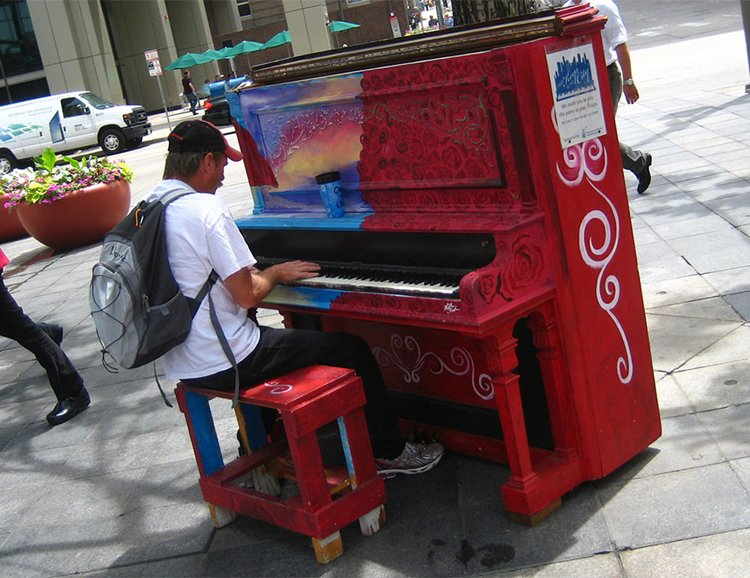 street-pianos-play-me-im-yours-project-roses