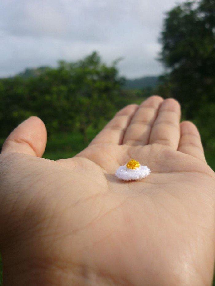 tiny fried egg