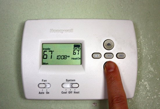 how to turn on thermostat