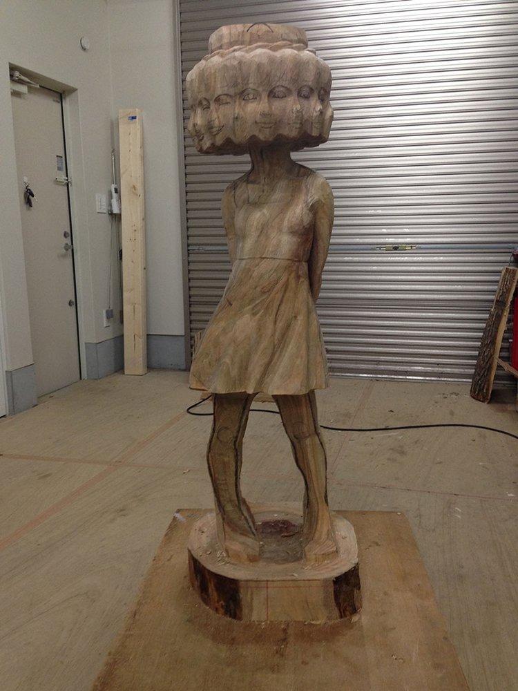 wooden-sculpture-been