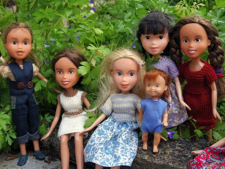 all dolls in garden