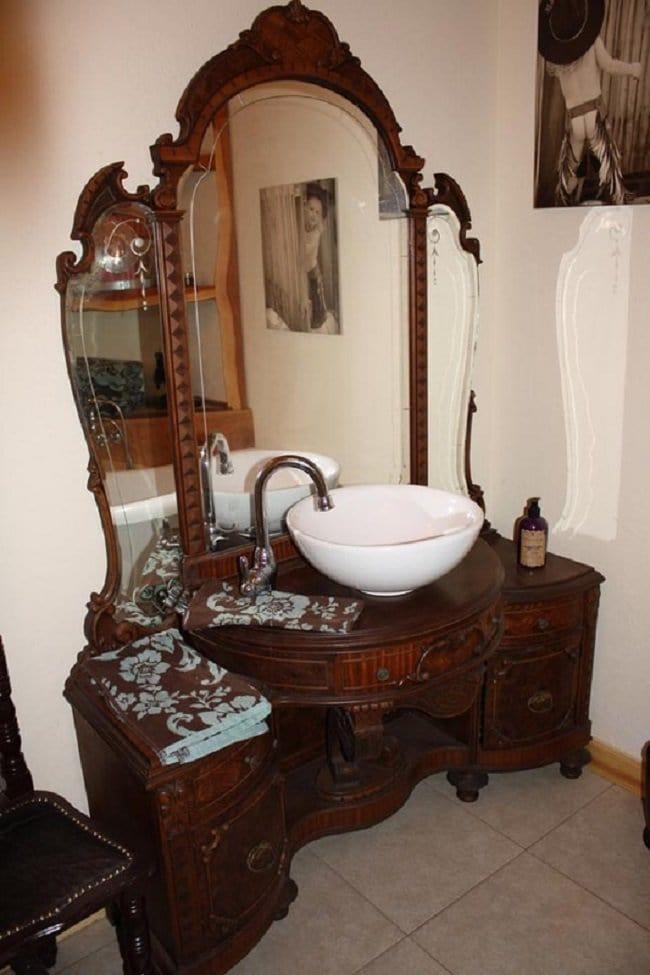arched-cabin-bath-sink