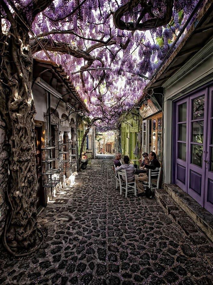 beautiful-streets-molyvos-greece