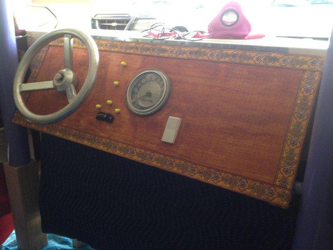 dashboard-interior-vw-camper-bed