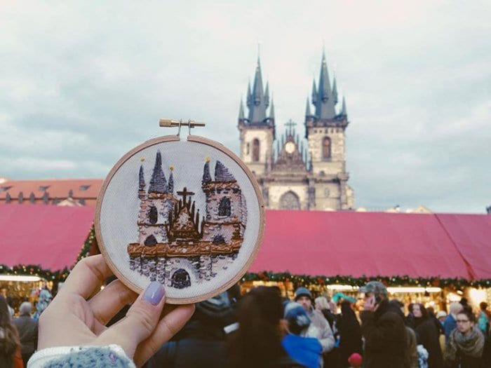 embroidered-travel-scenes-teresa-lim-prague-old-town