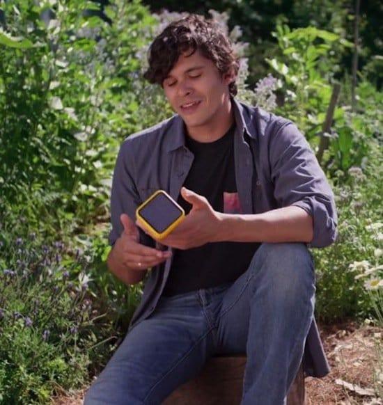 guy holding gadget edyn