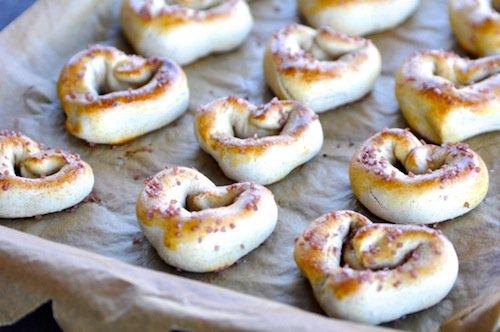 heart-pretzels