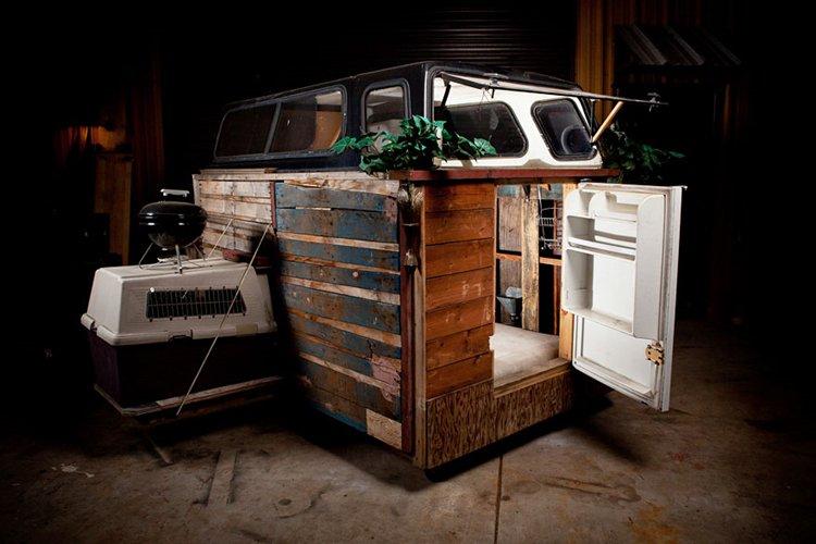 homeless-homes-carried-inside