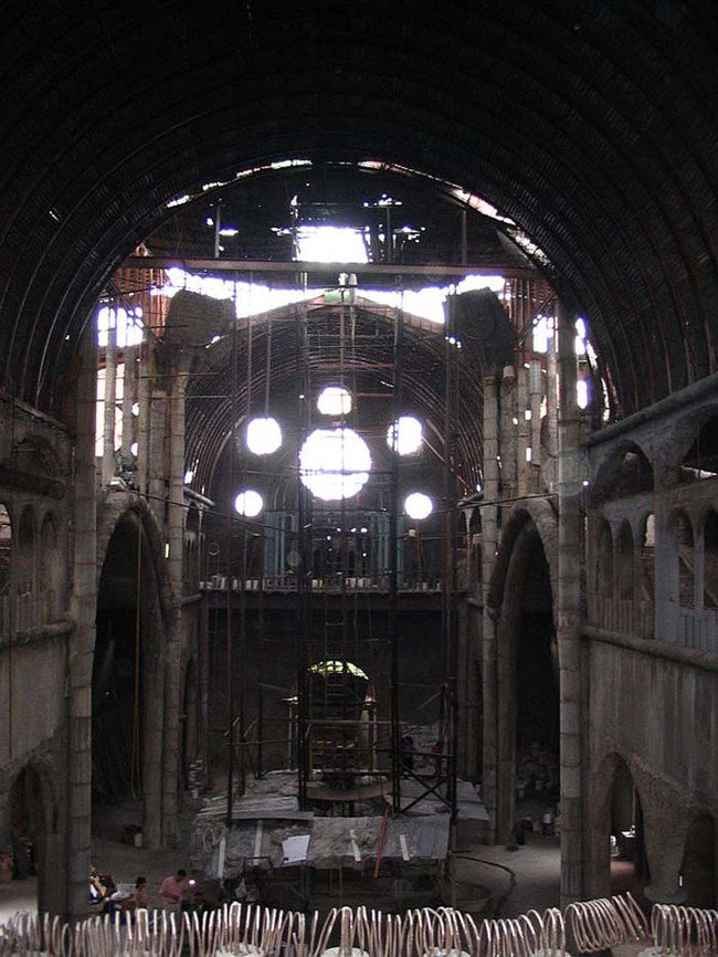 inside-junk-cathedral