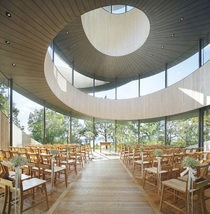 inside-ribbon-chapel
