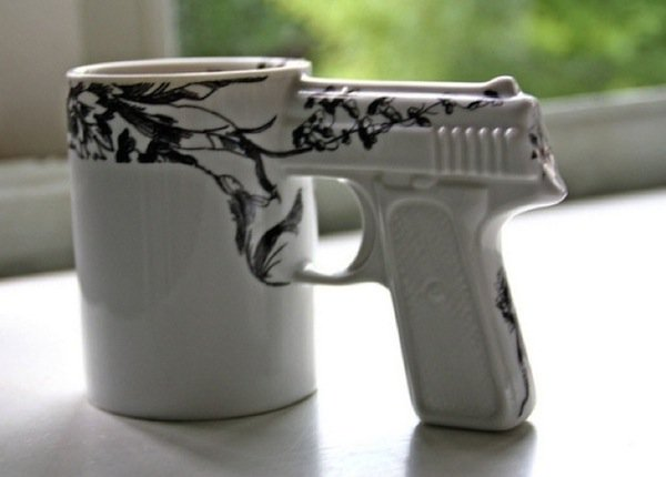 mugs-guns