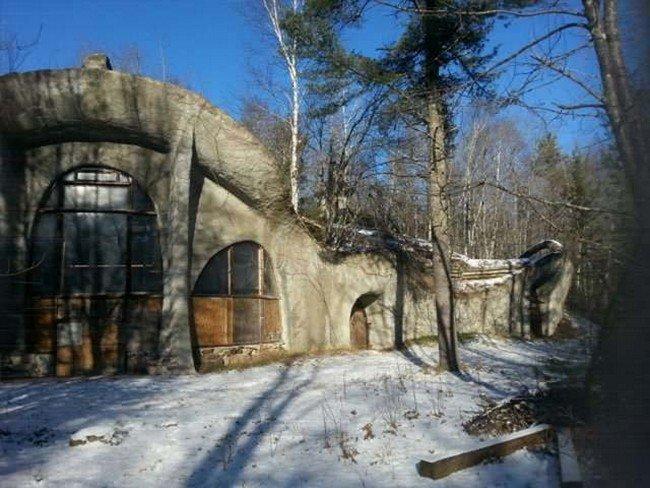 mushroom-house-external