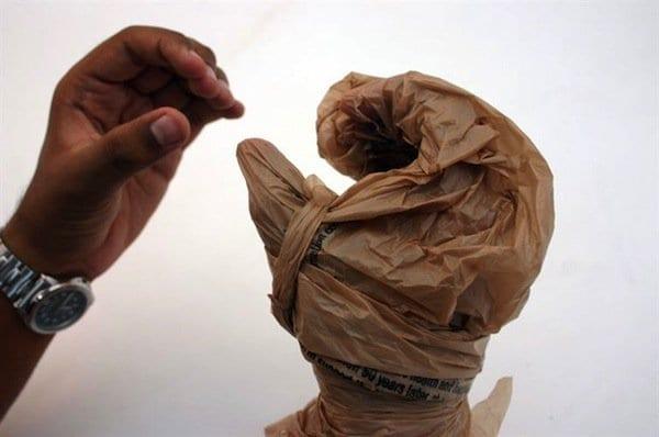 plastic-gloves