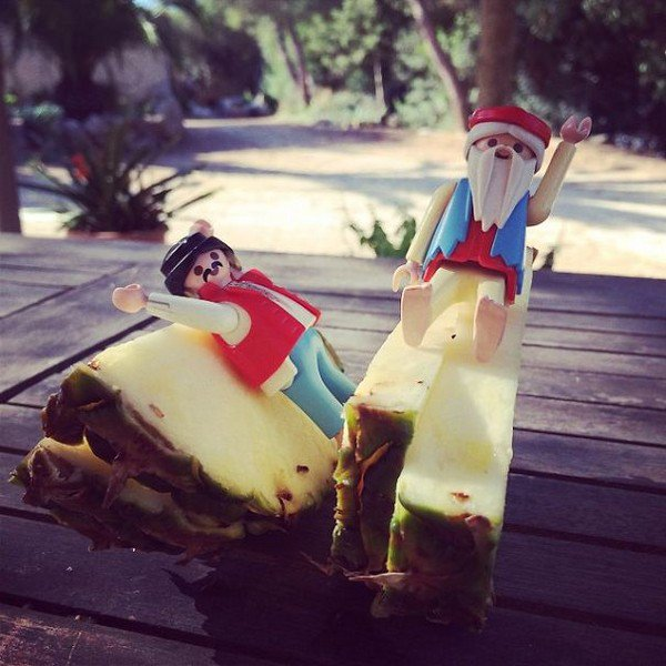 playmobil men on pineapple