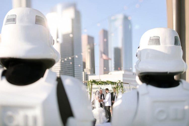 star-wars-theme-wedding-marrying-and-stormtroopers
