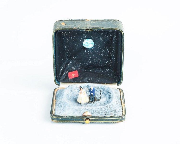antique-ring-box-mini-diorama