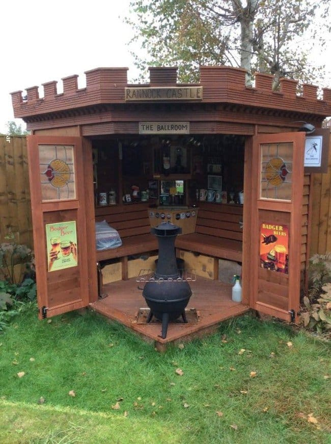 10 Awesome Backyard Bars That Will Inspire You To Build ... on Bar Backyard id=47644