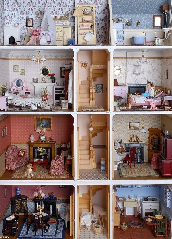 classic-doll-mansion