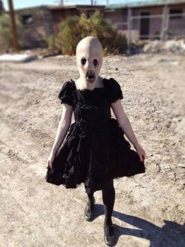 creepy-images-dress