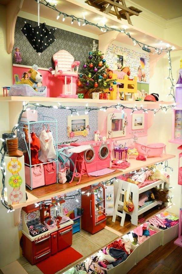 16 dollhouses so adorable you 39 ll wish you could move in for Make dream house