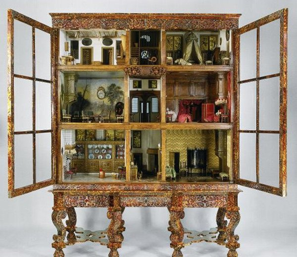 doll-house-china-cabinet