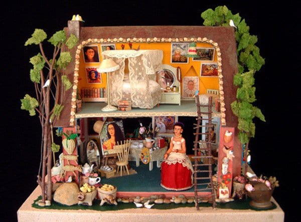 doll-house-frida-kahlo
