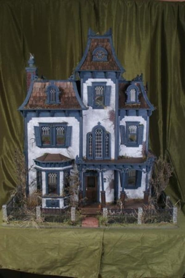 doll-house-haunted