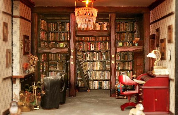 doll-house-library