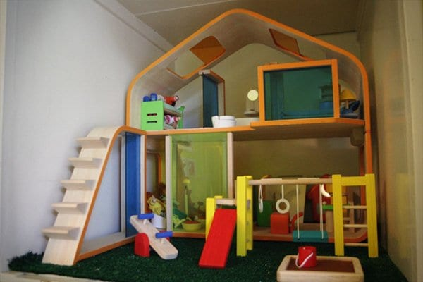 doll-house-play