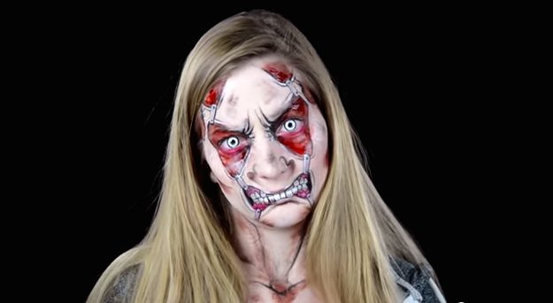 elsa-rhae-pulled-face