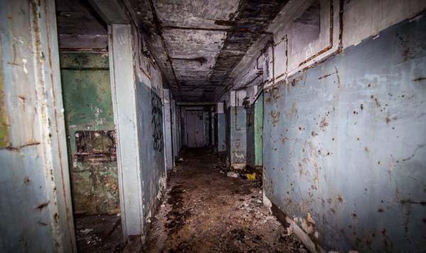 filthy corridor