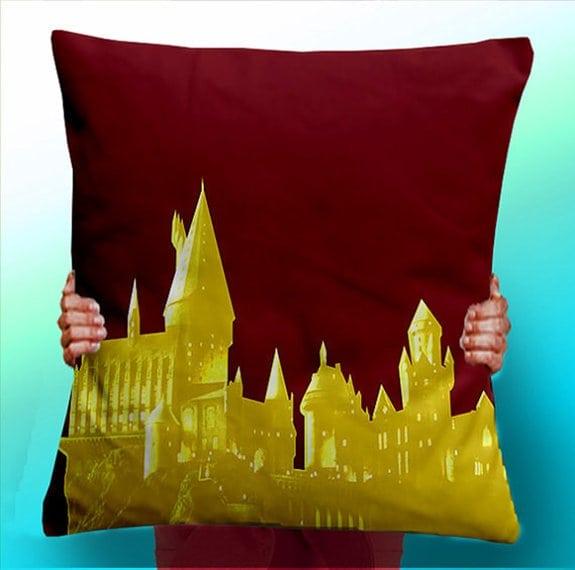 hogwarts-pillow