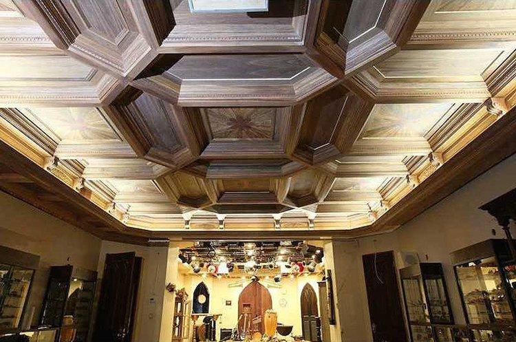 inside-Chrismark-Castle-ceiling