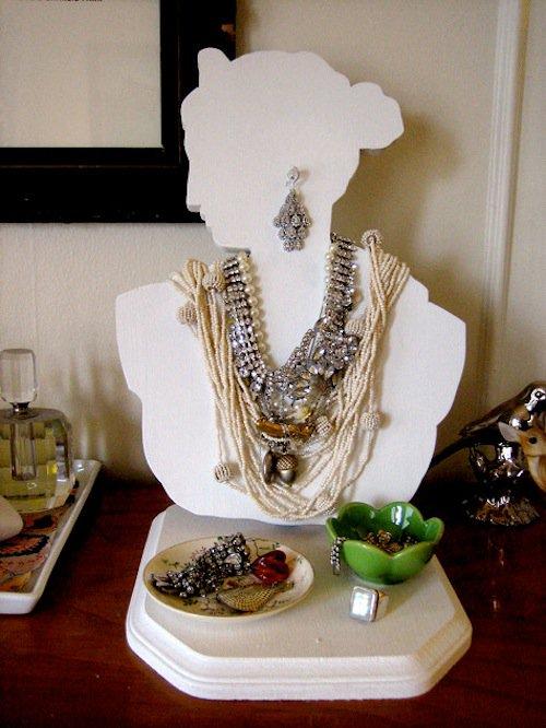 jewelry-bust