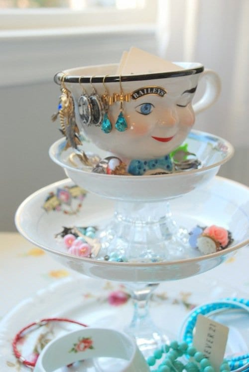 14 DIY Ideas For Organizing Jewelry That You Will Love