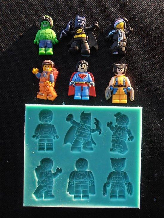 lego-heroes-molds