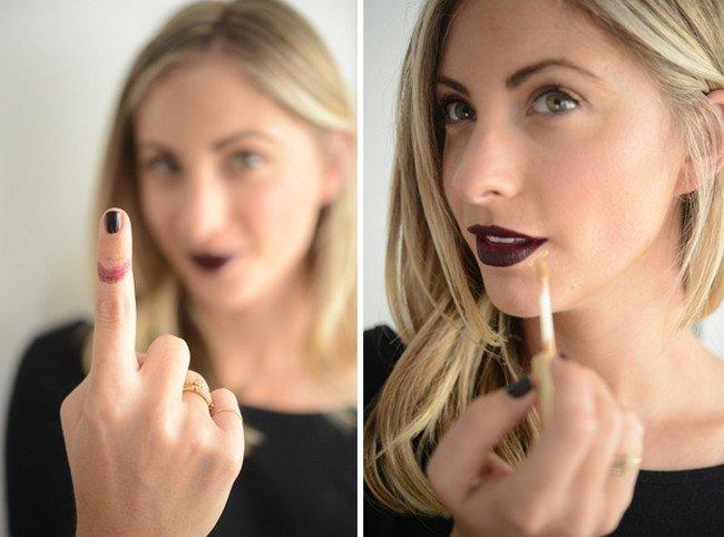 lipstick finger