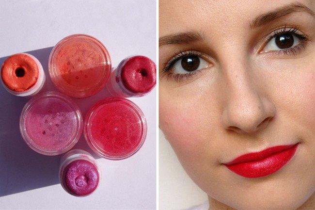 lipsticks girl