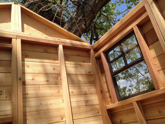 lovely-treehouse-inside